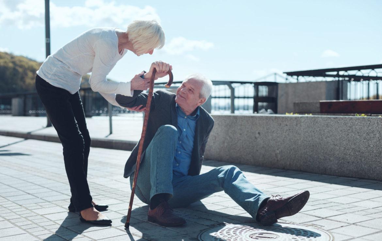 Einem Sturz im Alter vorbeugen